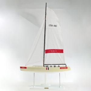 Luna-Rossa-L85-01